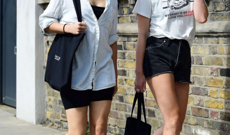 Olivia Cooke Out With Friend London (13 photos)