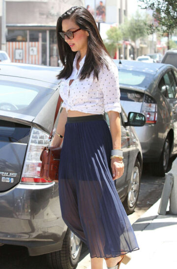 Olivia Munn Out About Los Angeles