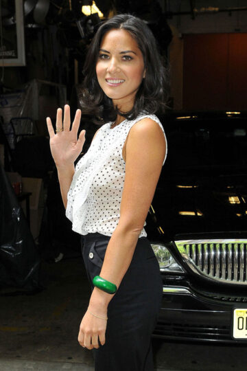 Olivia Munn Poses Up After Appearing Live With Kelly