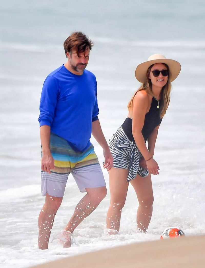 Olivia Wilde Jason Sudeikis Beach Malibu