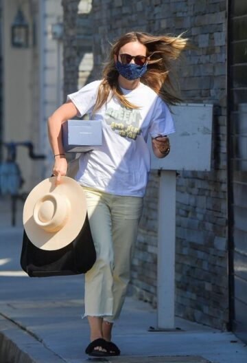 Olivia Wilde Out About Beverly Hills