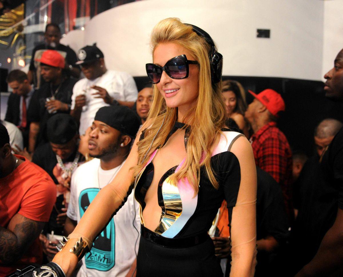 Paris Hilton Liv Fontainebleau Party