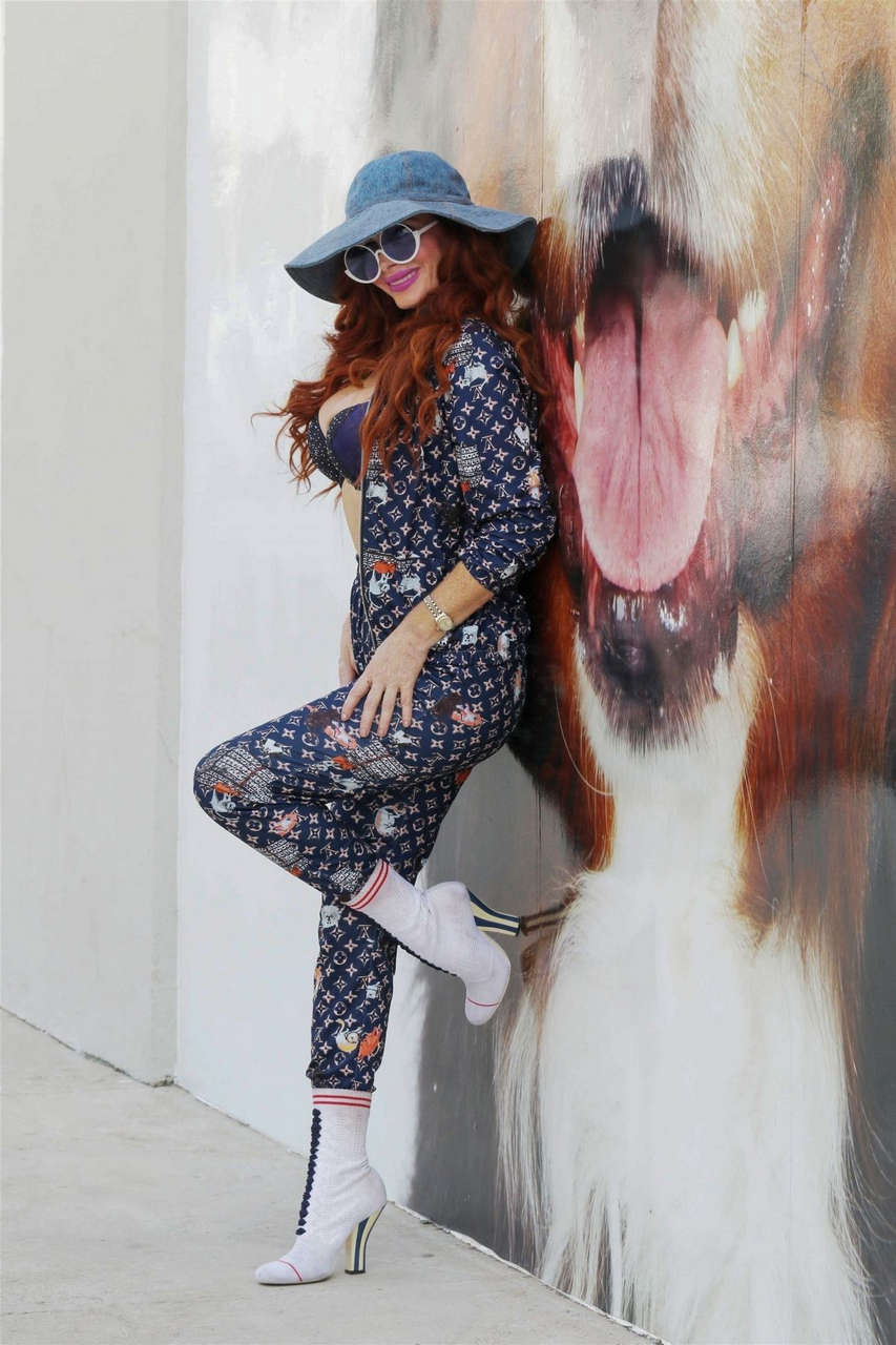Phoebe Price Out Los Angeles
