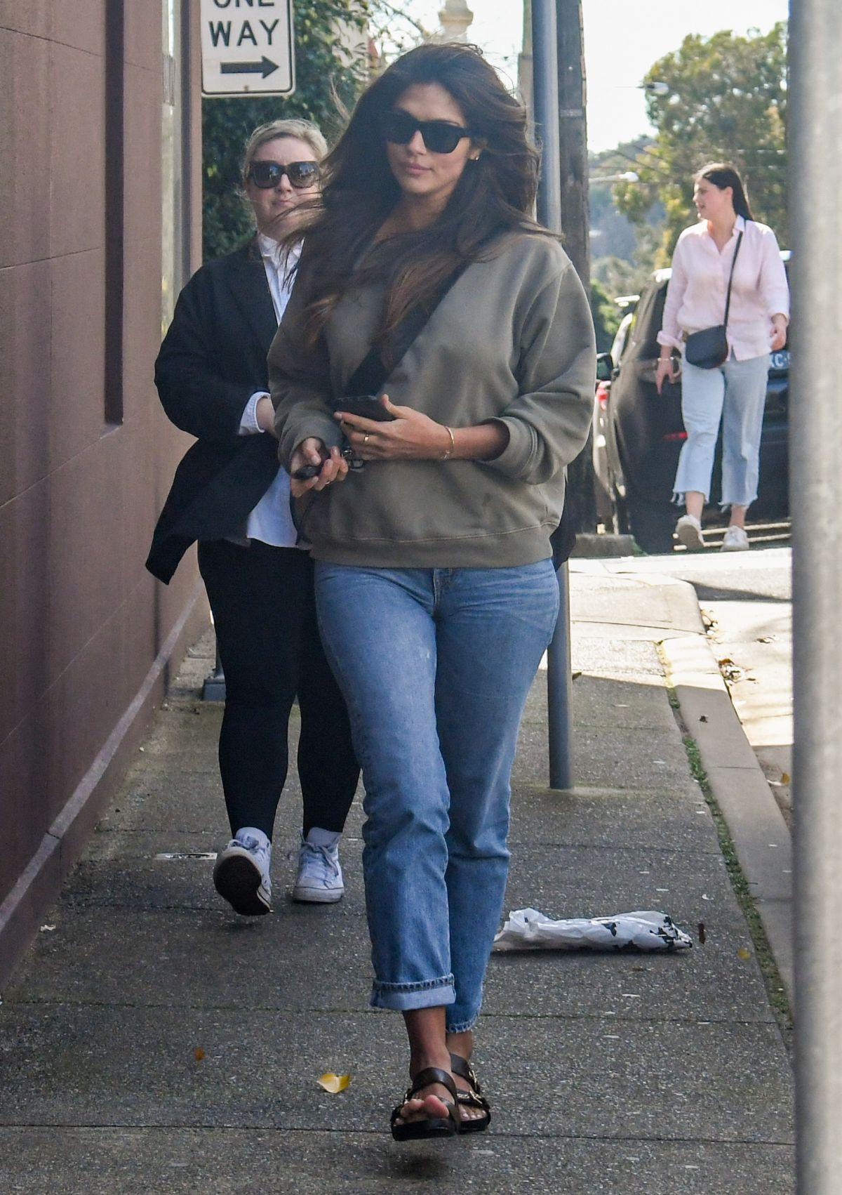 Pia Miller Heading To Hair Dresser Paddington