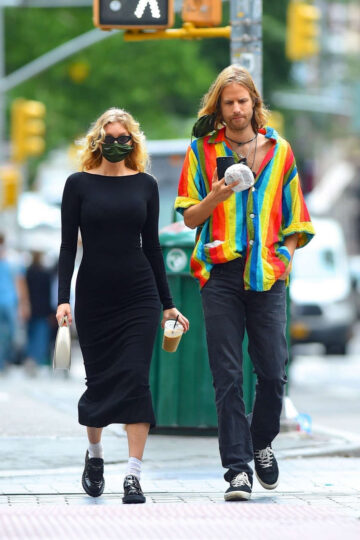 Pregnant Elsa Hosk Tom Daly Out For Coffee New York