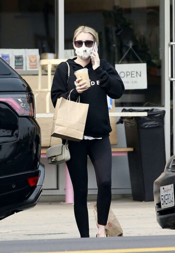 Pregnant Emma Roberts Out For Coffee Los Feliz