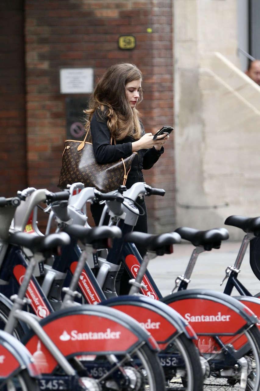 Rachel Shenton Out About London
