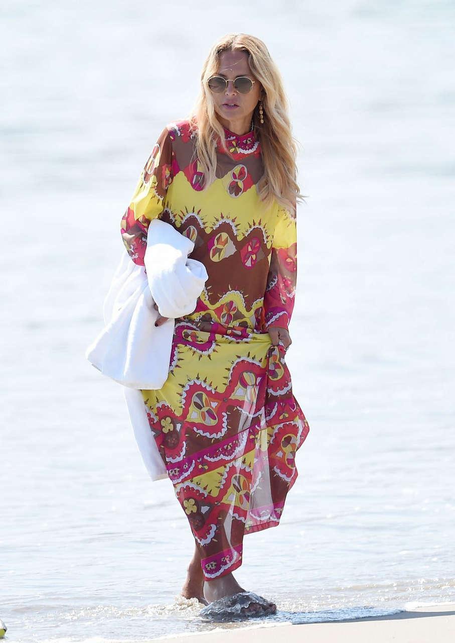 Rachel Zoe Out Walking Beach Santa Barbara