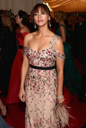 Rashida Jones Metropolitan Museum Arts Costume Gala 2012 New York