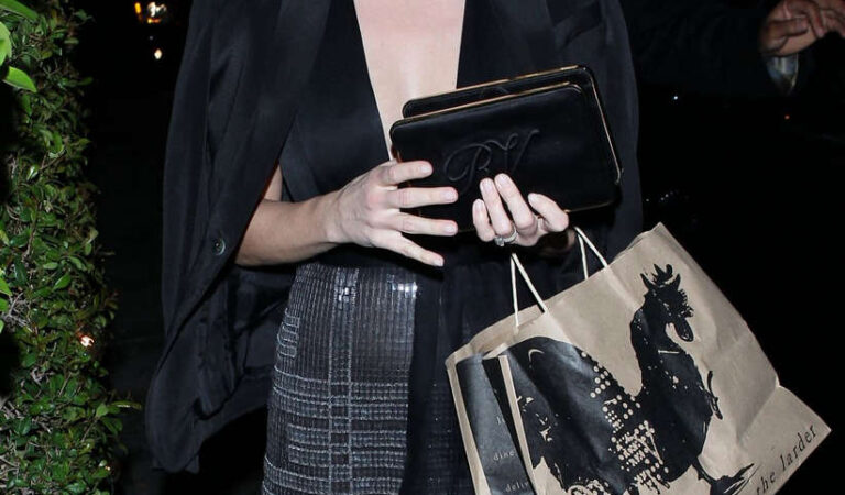 Reese Withersoon Ago Restaurant West Hollywood (10 photos)