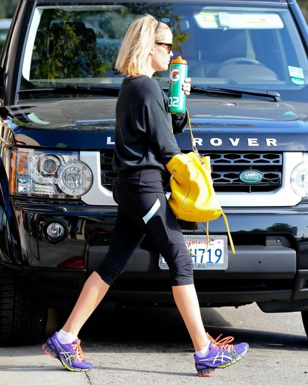 Reese Witherspoon Tight Leggings Heading To Gym Brentwood