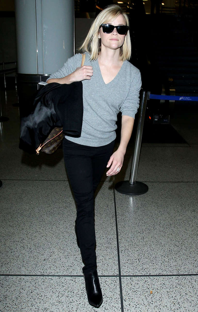 Reese Witherspoon Walks Through Lax Airport