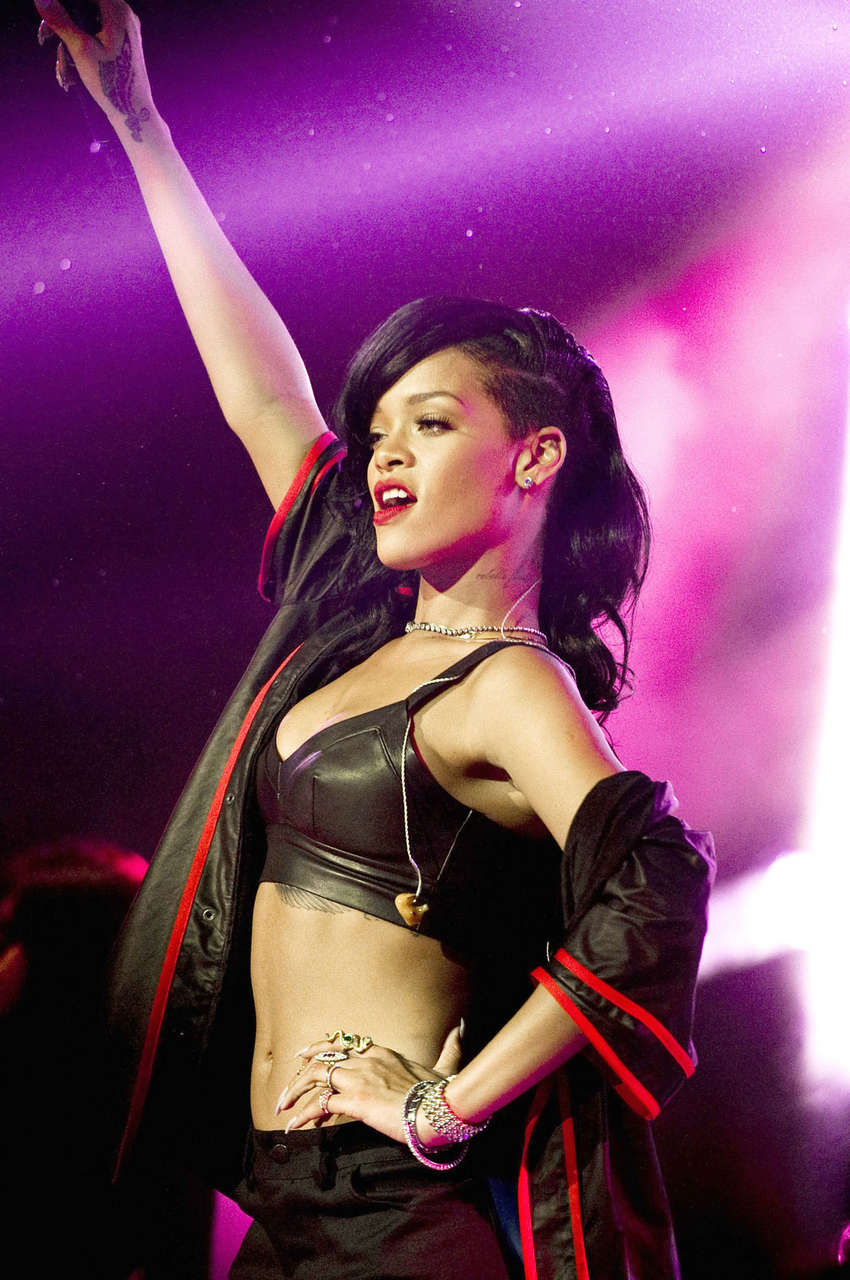 Rihanna Performs 777 Tour El Plaza Condesa Mexico City
