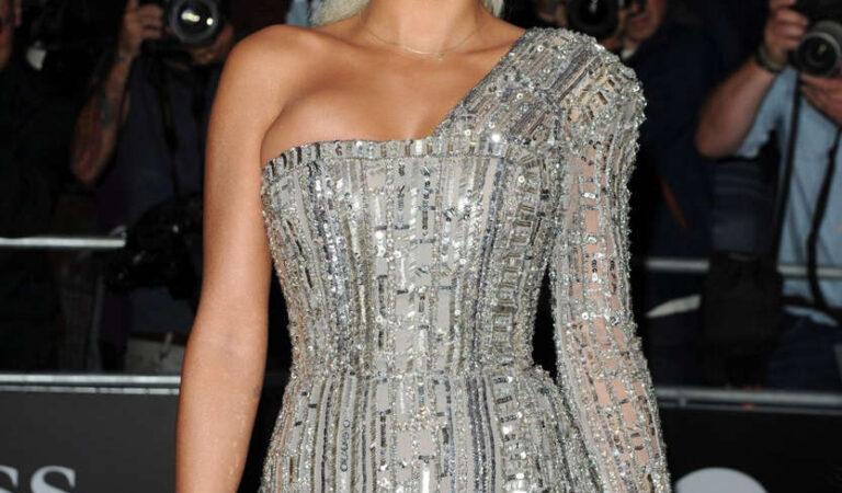 Rita Ora 2014 Gq Men Year Awards London (7 photos)
