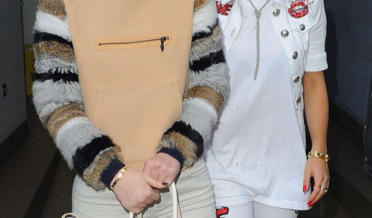 Rita Ora Iggy Azalea Capital Fm Studio London (27 photos)