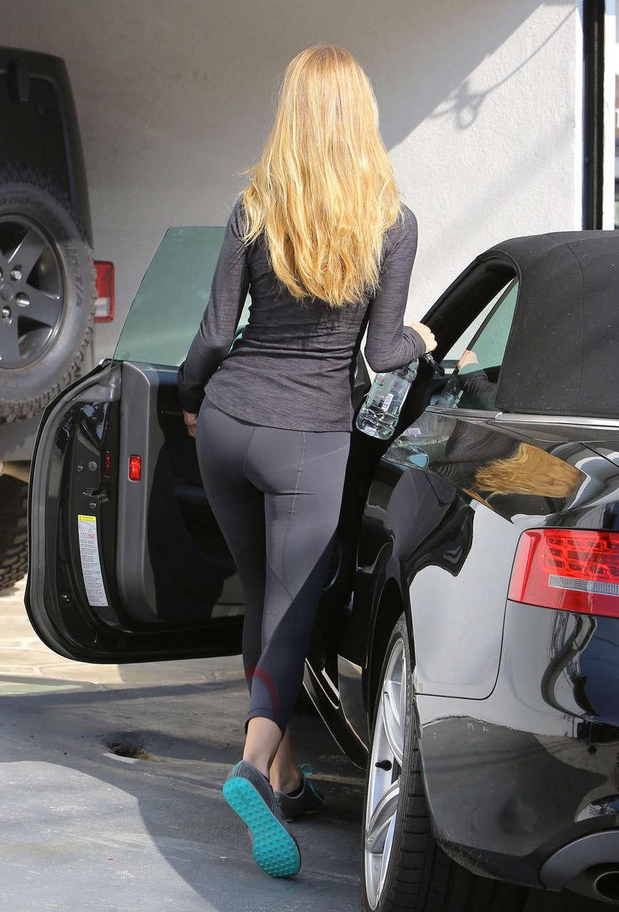 Rosie Huntington Whiteley Tights Leaving Gym Los Angeles