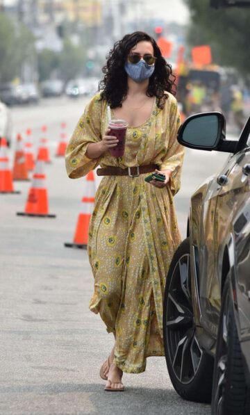 Rumer Willis Out About Los Angeles