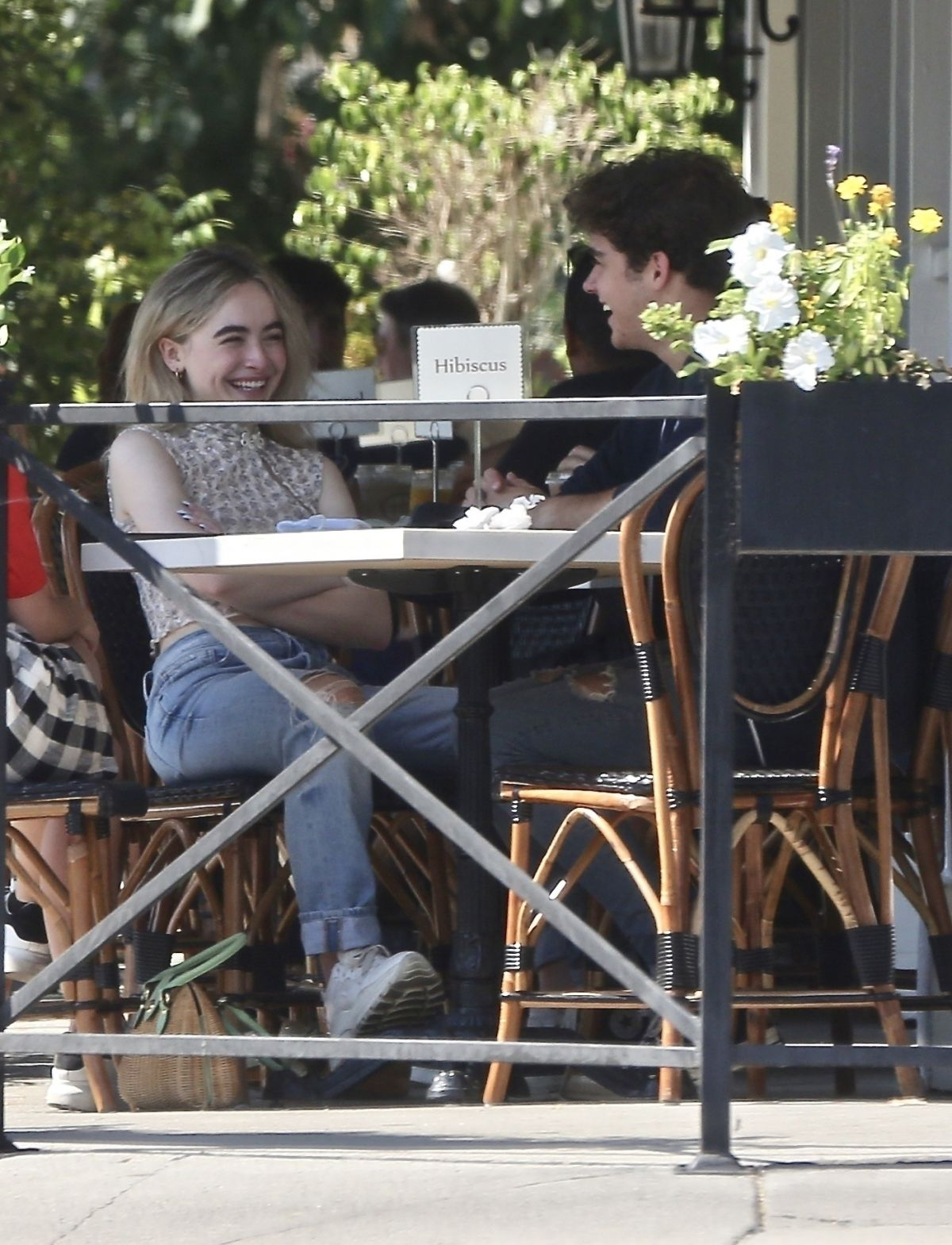 Sabrina Carpenter Out For Lunch Sweet Butter Studio City