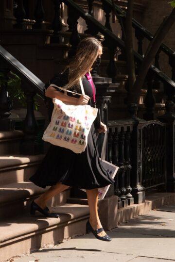 Sarah Jessica Parker Leaves Her Apartment New York