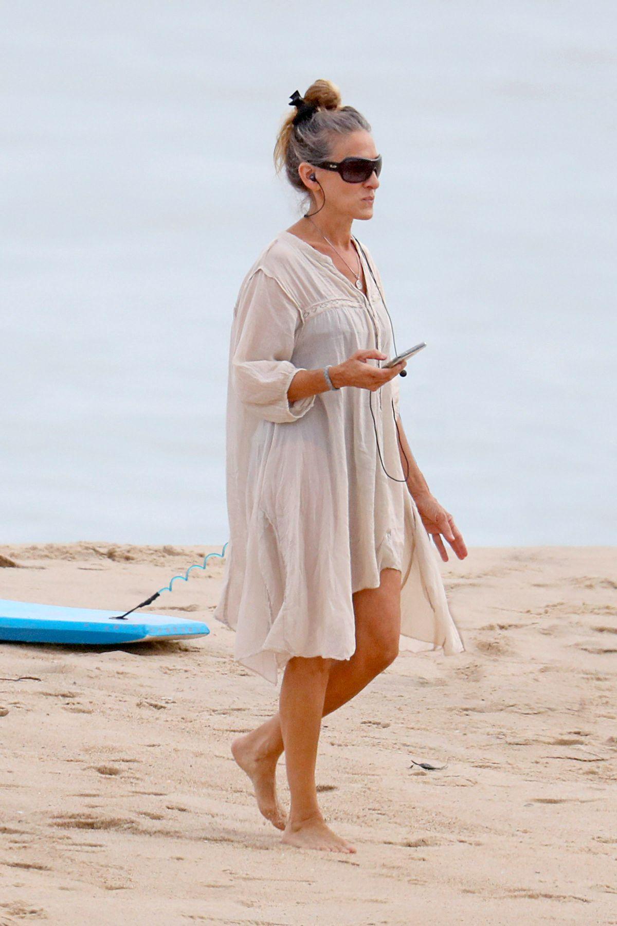Sarah Jessica Parker Out Beach Hamptons