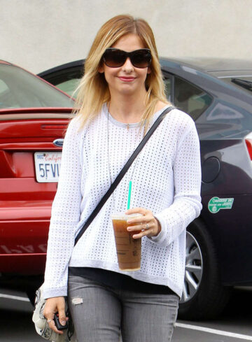 Sarah Michelle Gellar Out About Los Angeles