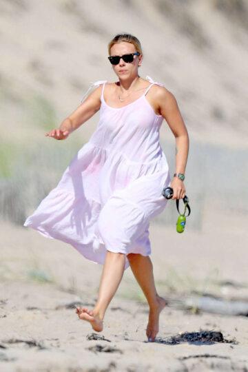 Scarlett Johansson Out Beach Hamptons