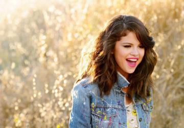 Selena Gomez Hit Lights Photo