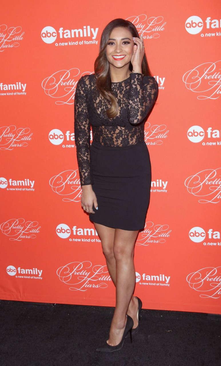 Shay Mitchell Pretty Little Liars Season Finale Screening