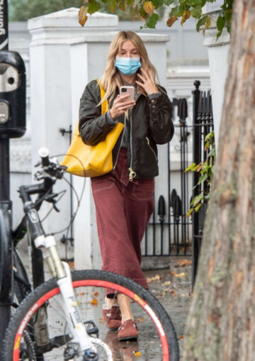 Sienna Miller Out Shopping Notting Hill