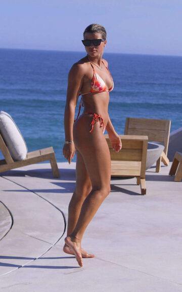 Sofia Richie Friends Bikinis Pool Mexico