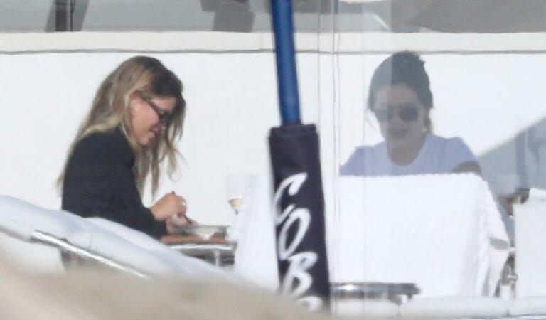 Sofia Richie Out Llunch With Friend Malibu (5 photos)