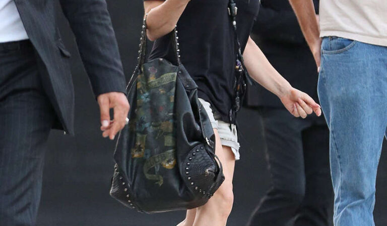 Stacy Fergie Ferguson Short Shorts Leaving Maxfield Boutique Beverly Hills (9 photos)