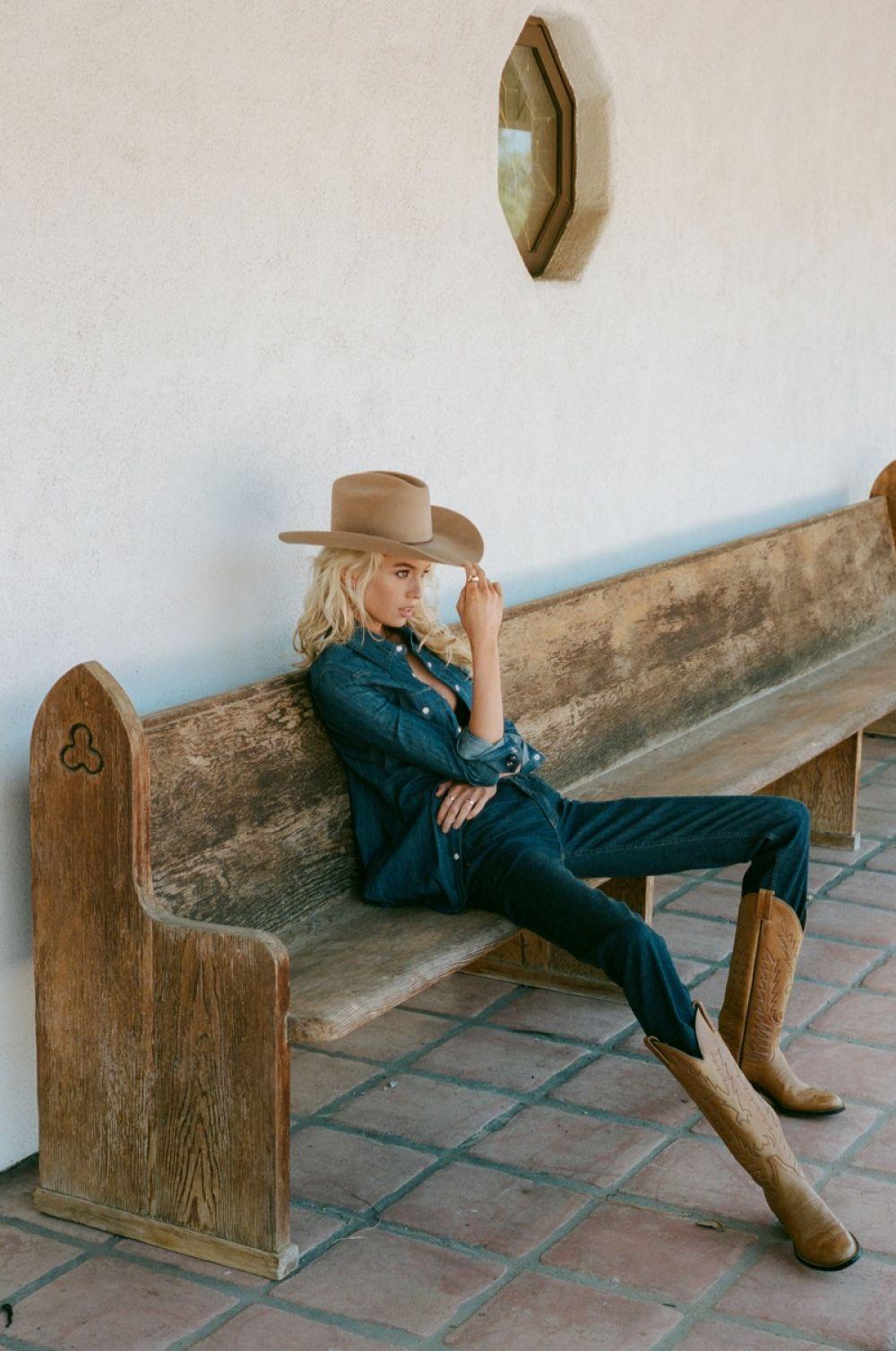 Stella Maxwell For Cott De La Liberte Fall 2020 Cmpaign