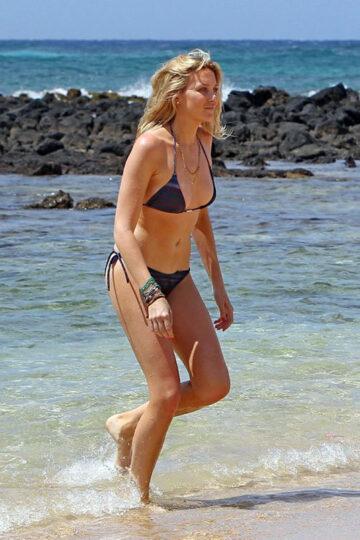 Stephanie Pratt Bikini Candids Beach Hawaii