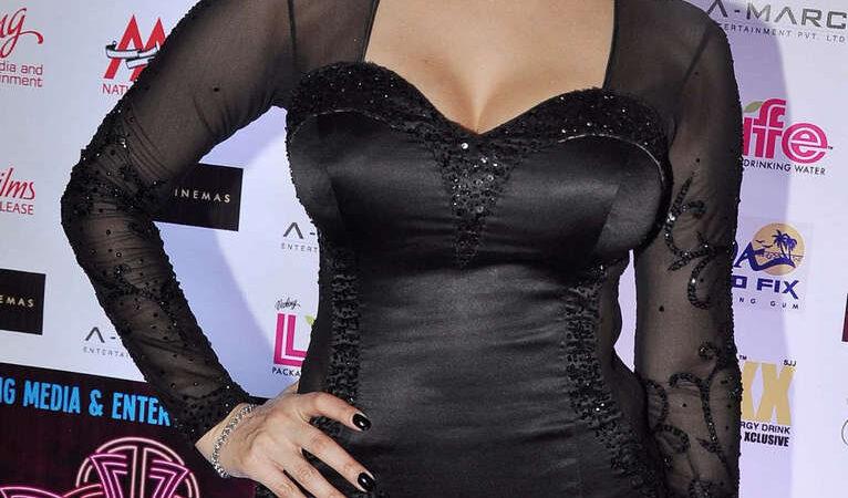 Sunny Leone Jackpot Premiere Mumbai (11 photos)