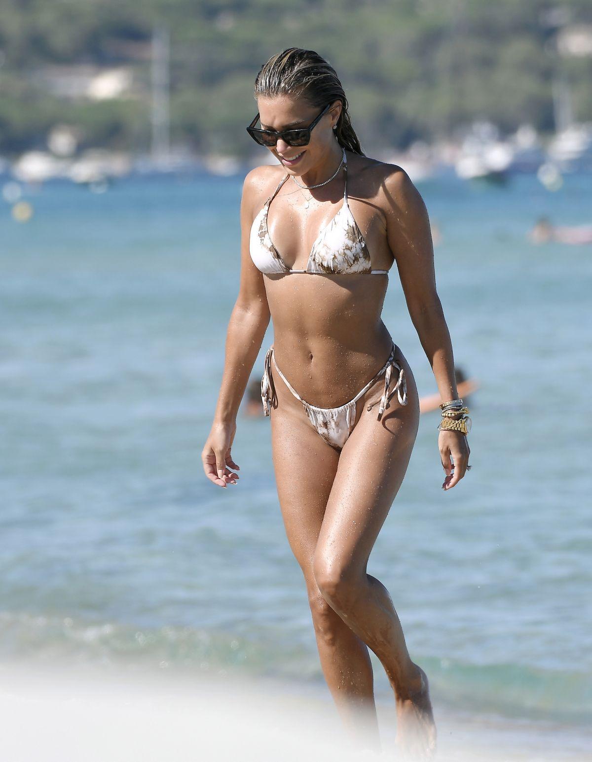 Sylvie Meis Bikini Beach France