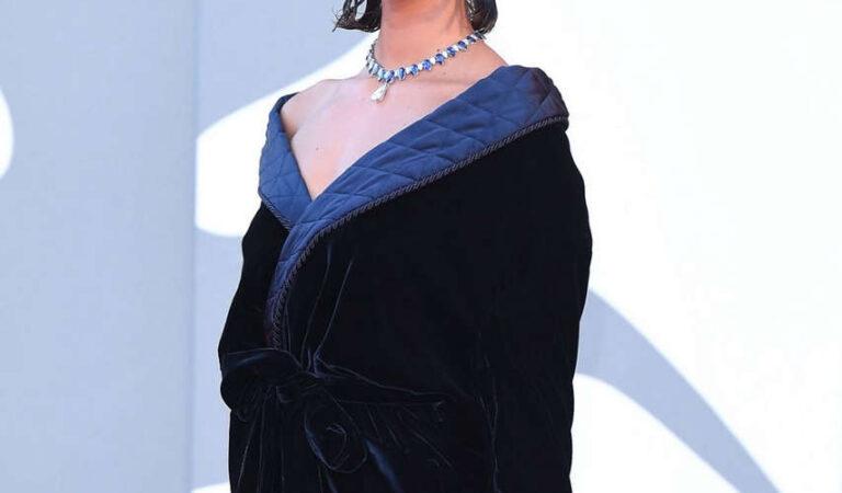 Taylor Marie Hill Amants Premiere 2020 Venice Film Festival (19 photos)