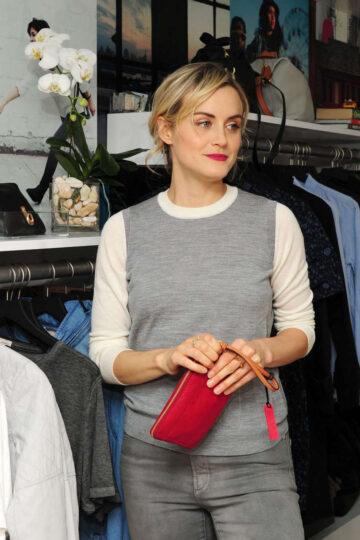 Taylor Schilling Gaps Dressnormal Project Brooklyn
