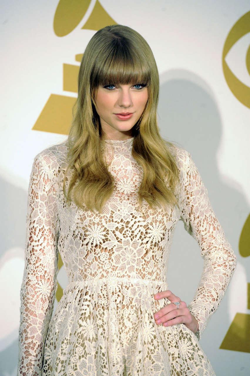 Taylor Swift 2013 Grammy Nominations Concert Nashville