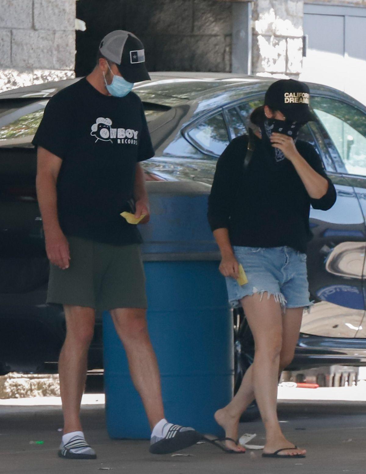 Tiffani Thiessen Denim Shorts Car Wash Los Angeles
