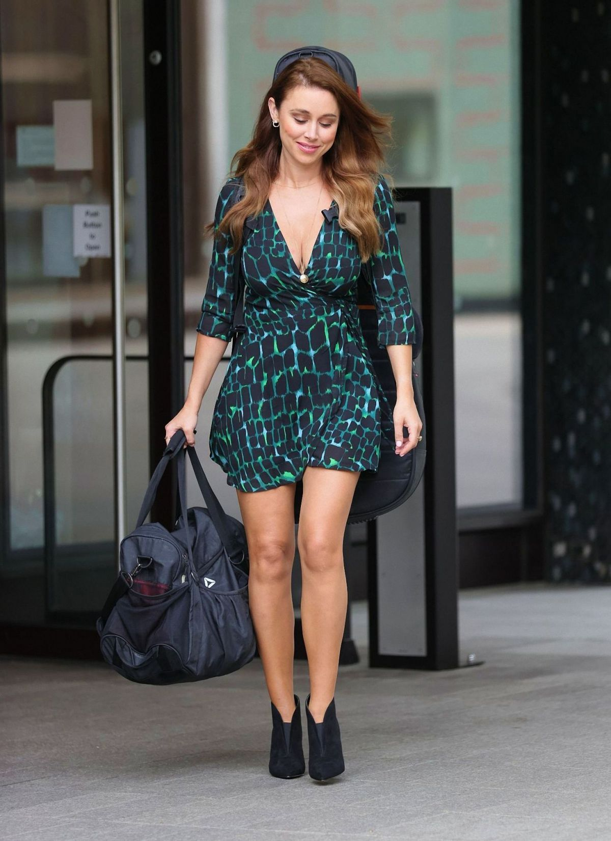 Una Healy Out About London