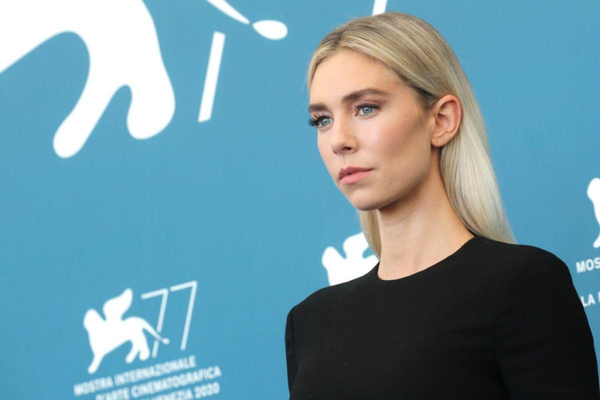 Vanessa Kirby Pieces Lwoman Photocall 77th Venice Film Festival