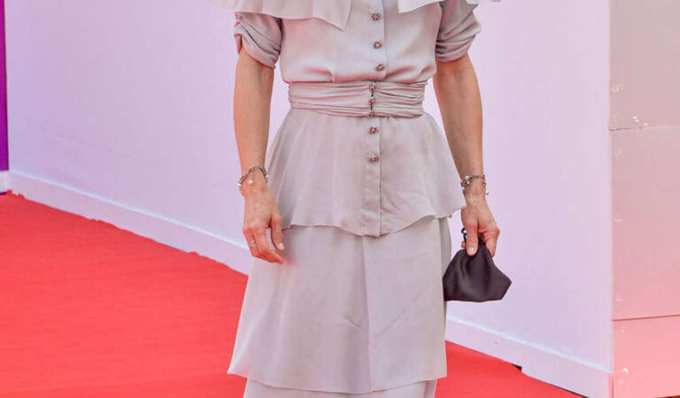 Vanessa Paradis Rouge Premiere 2020 Deauville American Film Festival (5 photos)