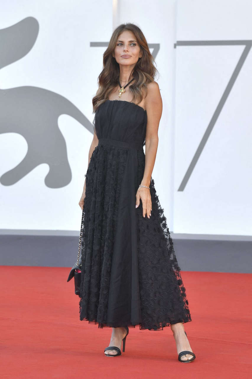 Weronika Rosati Nomadland Premiere 77th Venice Film Festival